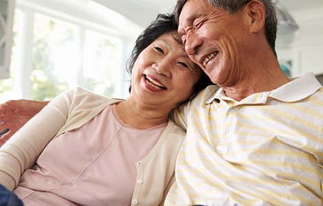 older couple happy with their choice of sdccu checking account